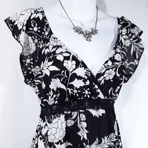17 Fashion Tops - Floral Print V-Neck Cap Sleeve Blouse Top